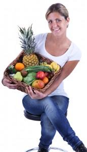 Louise-med-frugtkurv-lille