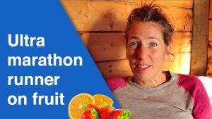 Ultra maratonløber på frugt